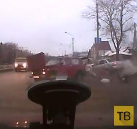 Непристегнутых пассажиров выбросило при столкновении... ДТП в г. Ульяновск