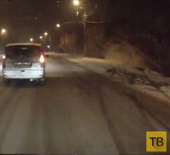 Не справилась с управлением по снежной дороге и улетела в кювет...