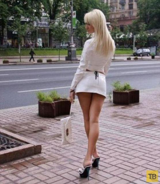 Почему девушки одеваются вызывающе? (6 фото)