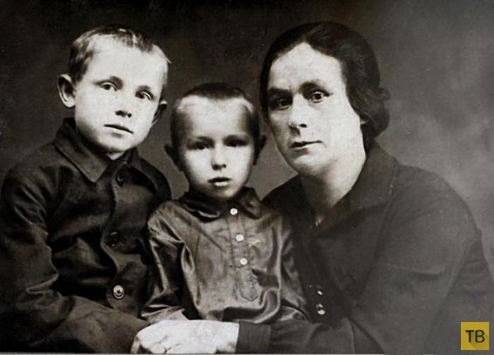 Фотографии из домашних архивов знаменитостей (11 фото)