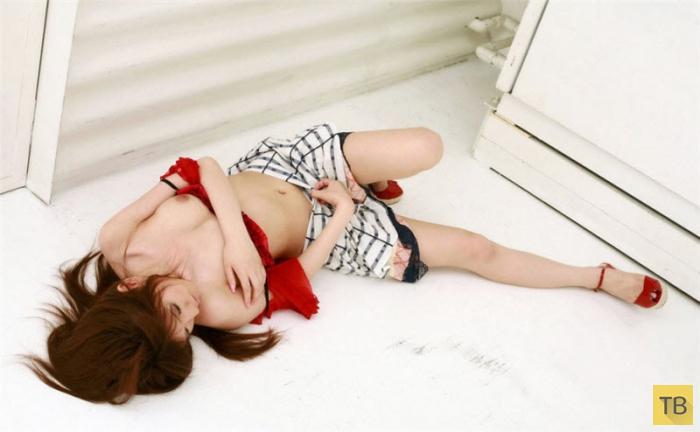 (18+) Японская красота на грани дозволенного (28 фото)