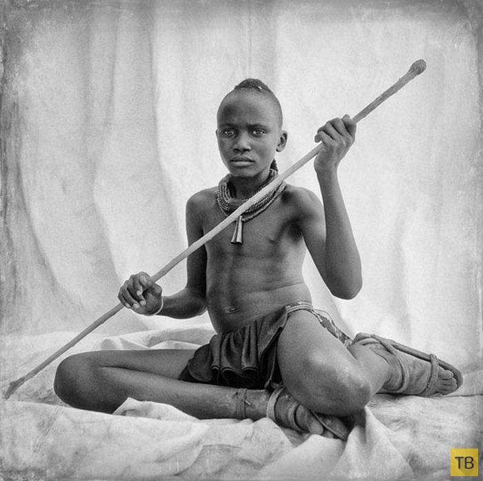 (18+) Портреты людей из африканского племени Химба (16 фото)