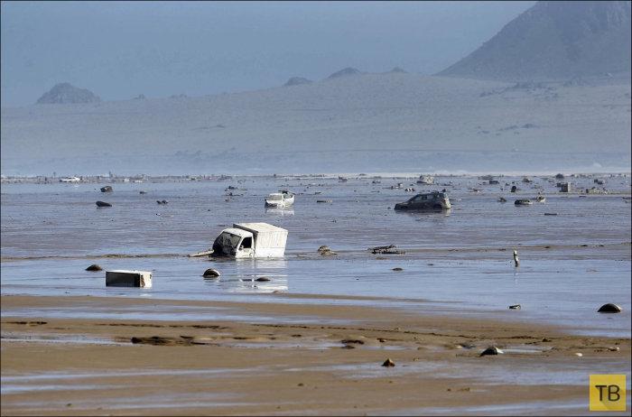 Последствия сильнейшего за 80 лет наводнения в Чили (19 фото)