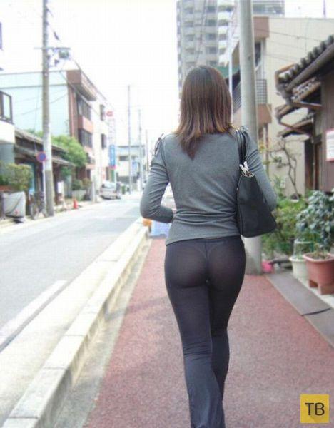 порно фото на улице попы в обтягивающих штанах