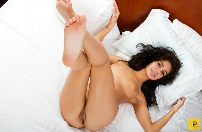 Голые женщины армянки фото в постели 71716 фотография