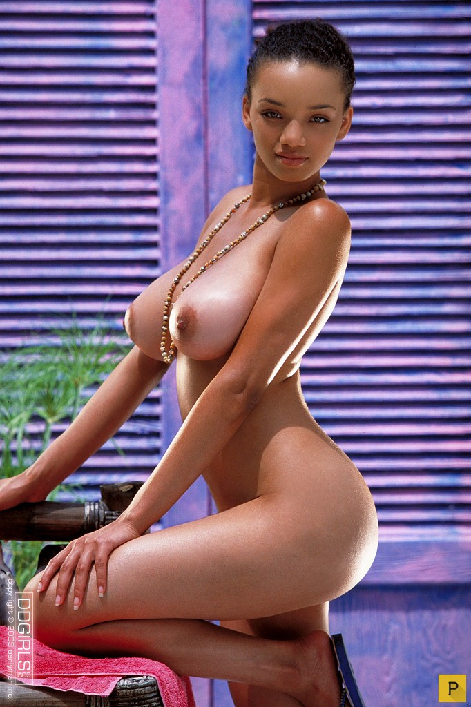 Фото голих молдаванок