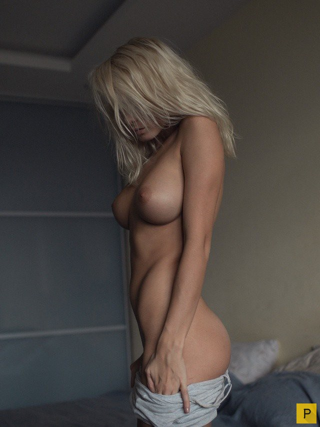 negr-ebet-blondinku-v-anal