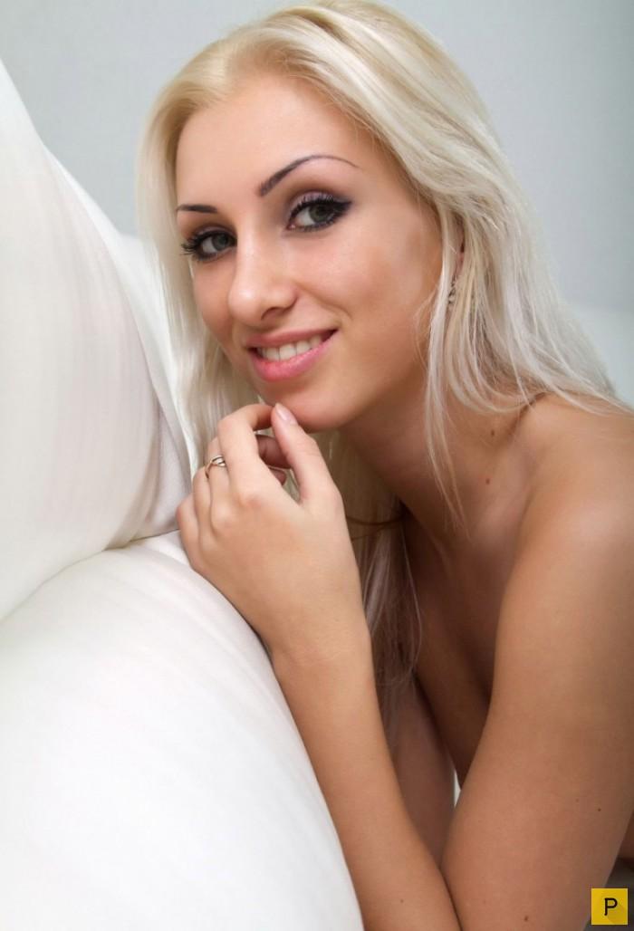 ploskogrudimi-blondinkami