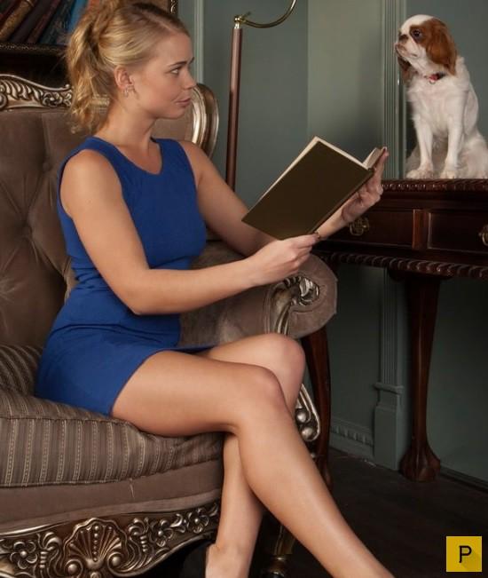 Сисястая блондинка в платье в хорошем качестве фотоография