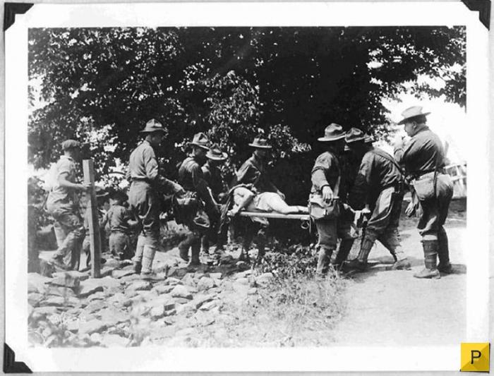 Солдаты развлекаются с парнями фото 65-671