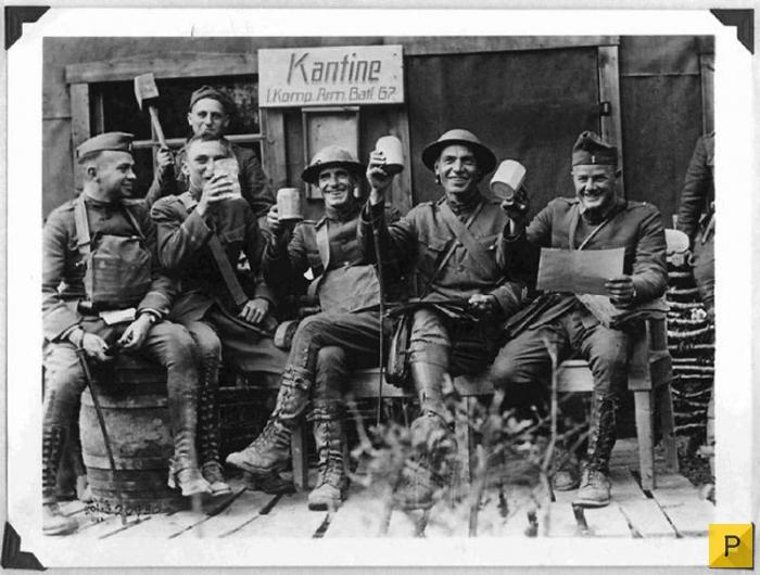Солдаты развлекаются с парнями фото 65-389