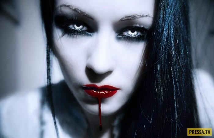 Первая вампирша Кармилла и ее лесбийская любовь (7 фото)