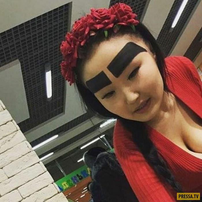 Анжелика из Якутска с необычными бровями (7 фото)
