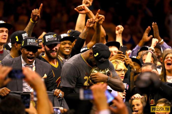 Журнал Time выбрал лучшие спортивные фотографии 2016 года (18 фото)
