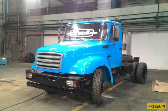 Последний грузовик в истории завода ЗИЛ сошел с конвейера (3 фото)