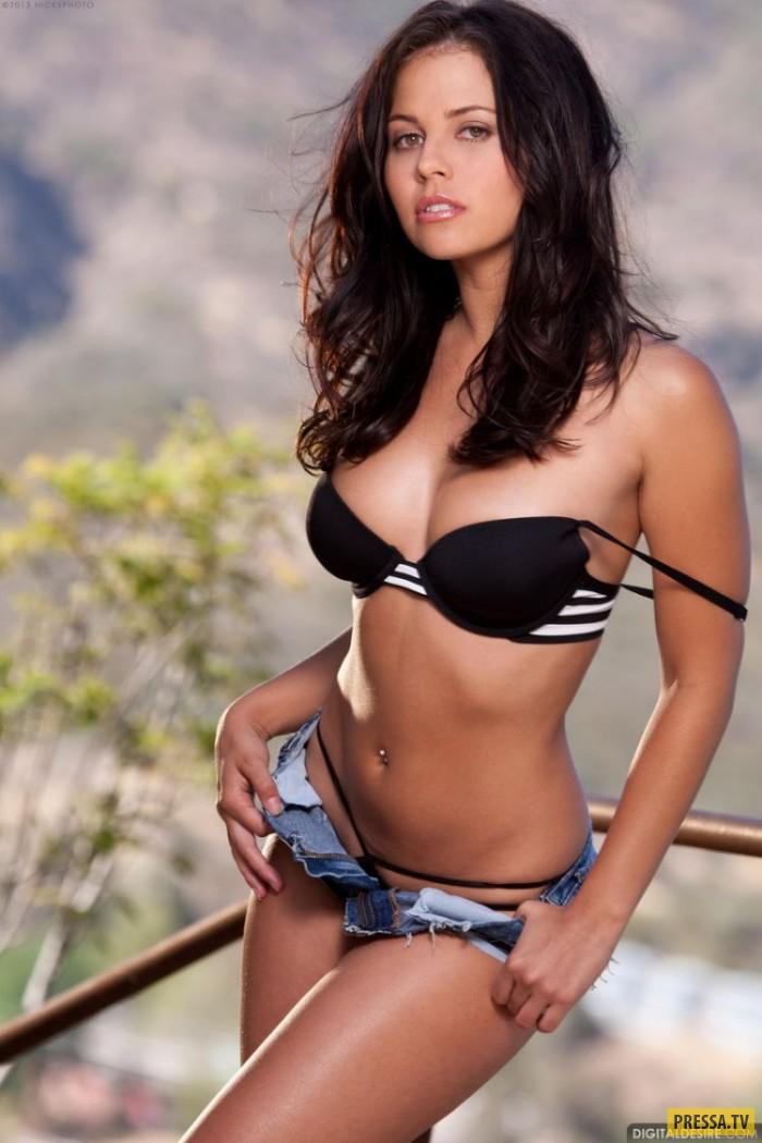 Красавица Cali Logan с шикарным телом (31 фото)
