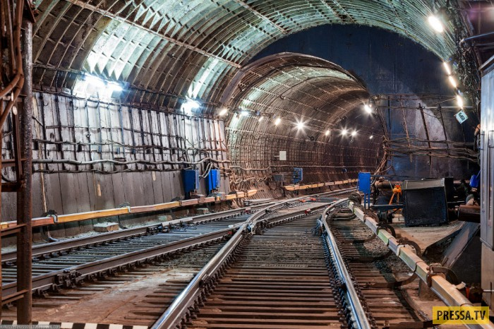 Красивые тоннели около станции «Курская» Кольцевой линии (26 фото)