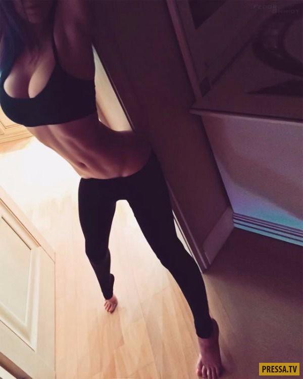 Подборка селфи от симпатичных девушек (42 фото)