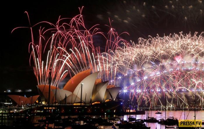 Новогодние фейерверки в разных городах мира (30 фото)