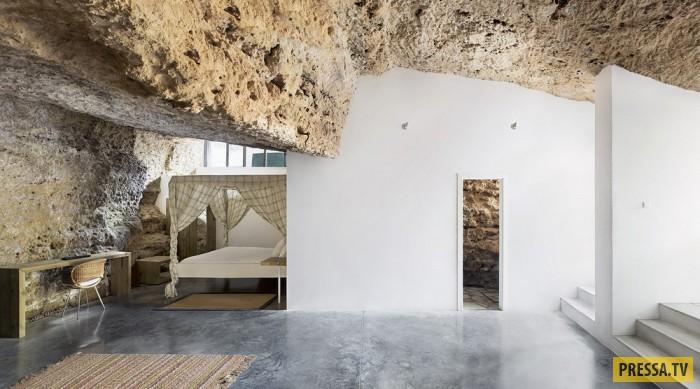 Жилой дом в пещере (14 фото)