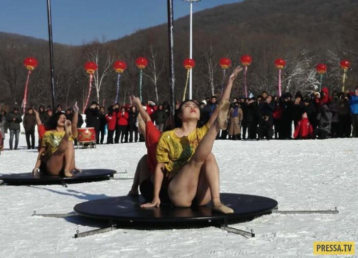 Танцы на морозе (8 фото)