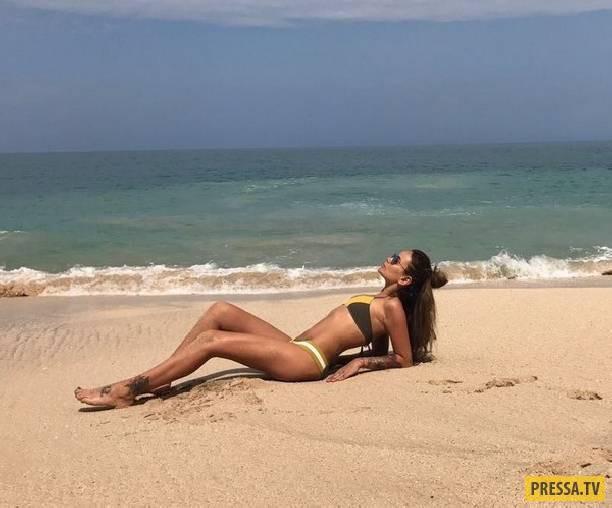 Айза Анохина демонстрирует идеальное тело спустя три месяца после родов (6 фото)