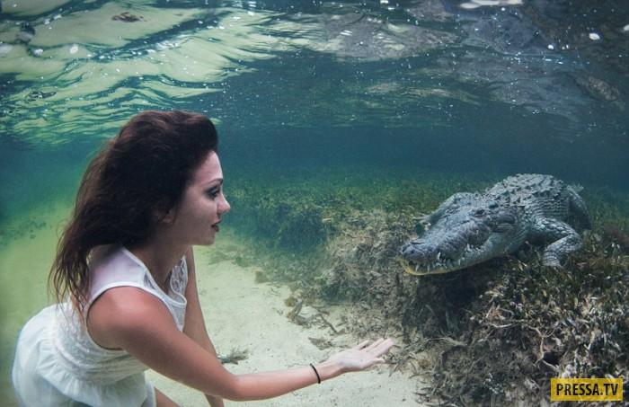 Красивая девушка и крокодил (6 фото)