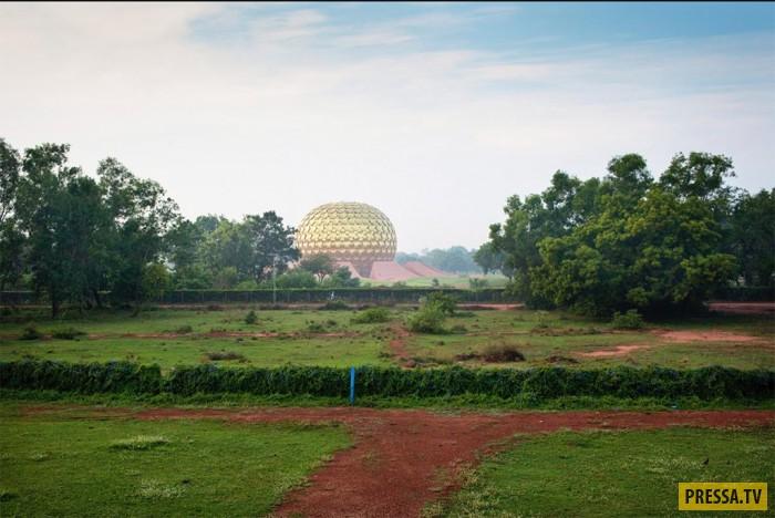 Город-эксперимент на юге Индии (33 фото)