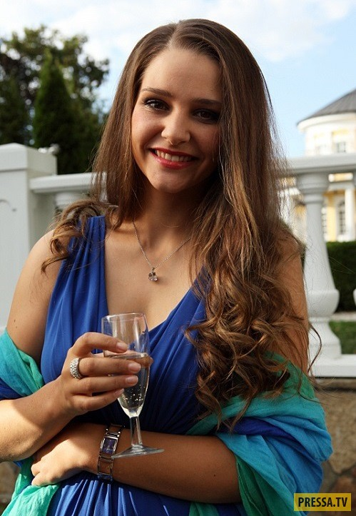 Жизненный путь звезды российских сериалов Глафиры Тархановой (24 фото)