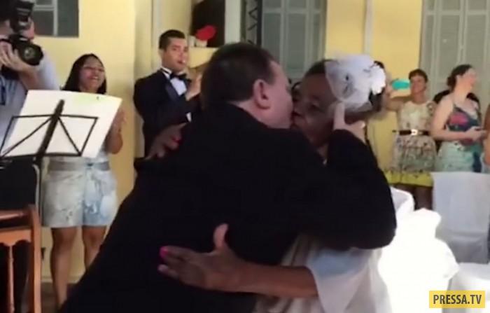 Бразильянка в возрасте 106 лет вышла замуж (7 фото +1 видео)