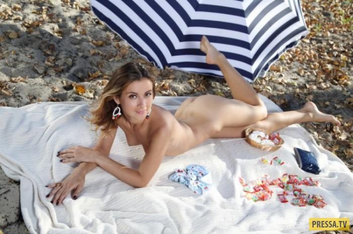 Стройная Betina в бикини на отдыхе (28 фото)