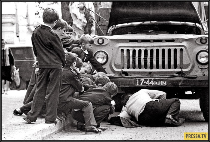 Простые советские люди в фотографиях  Владимира Ролова (15 фото)