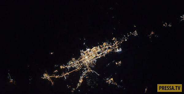 Завораживающий вид ночных городов из космоса (13 фото)