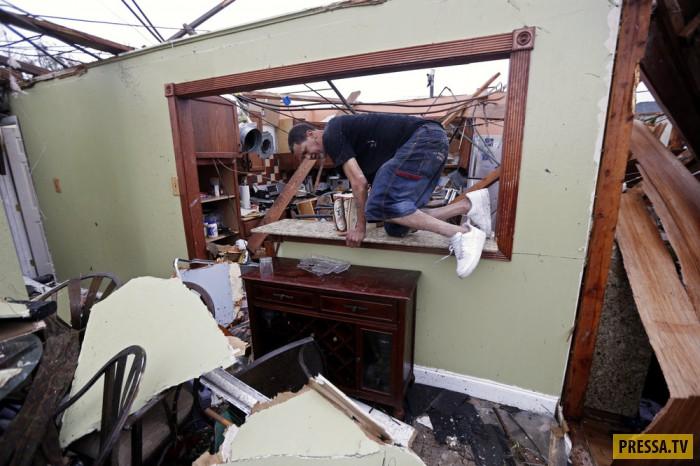 После торнадо в Новом Орлеане (20 фото)