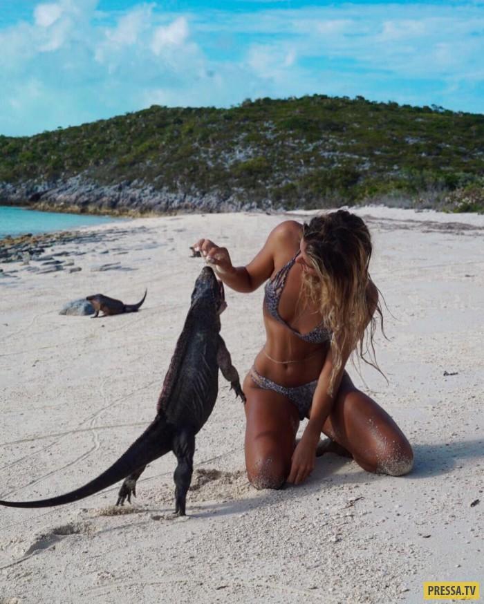 Красивая австралийка путешествует по экзотическим местам (29 фото)