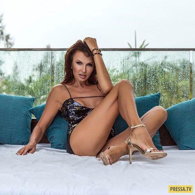 Красота и сексуальность 47-летней Эвелины Блёданс, как всегда, вне конкуренции (10 фото)