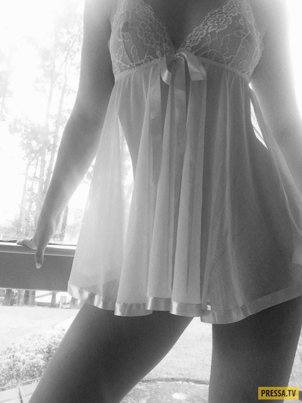 Стройные девушки в чулочках (33 фото)