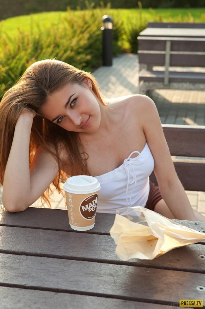 "Девушка дня ""Вторник"" - Adriana  (20 фото)"