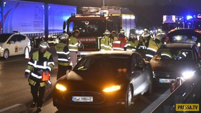 Немец с помощью собственной машины остановил неуправляемый Volkswagen (3 фото)