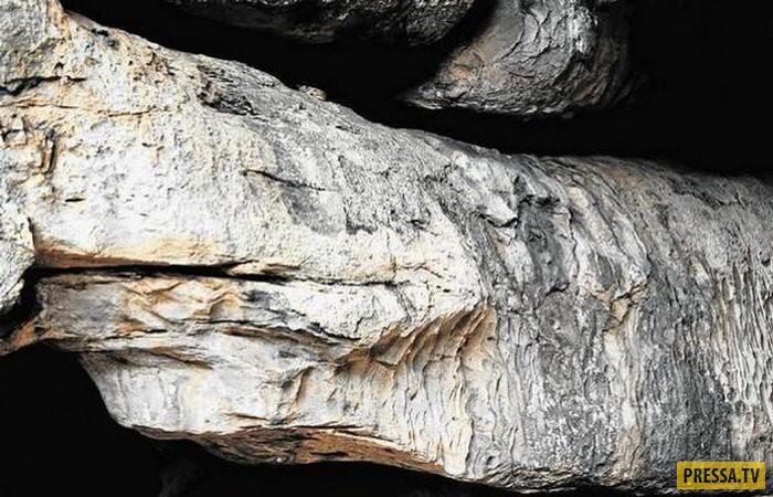 Интригующие загадки древних пещер (11 фото)
