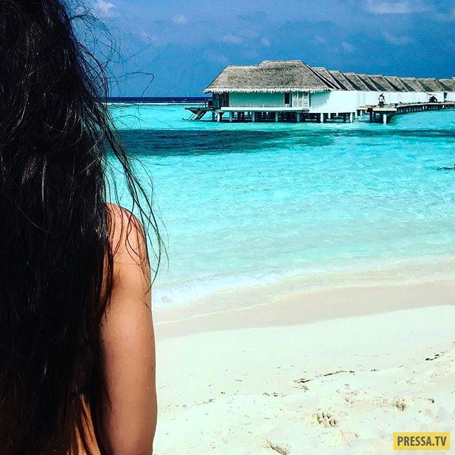 Ирина Дубцова сфотографировалась топлес на Мальдивах (7 фото)