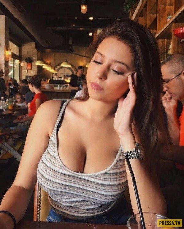 фото а с большой грудью