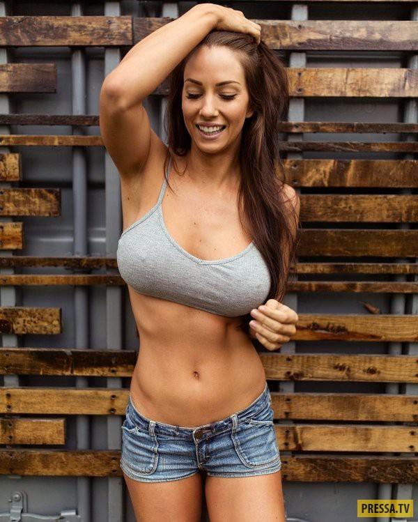 Женщина с шикарной грудью