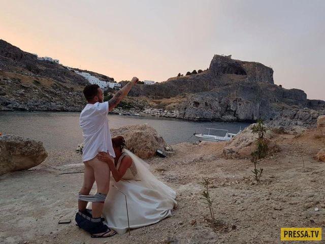 Из-за этого фото иностранцам запретили венчаться на Родосе (1 фото)