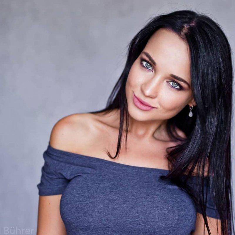 Девушка дня -  Ангелина (35 фото)