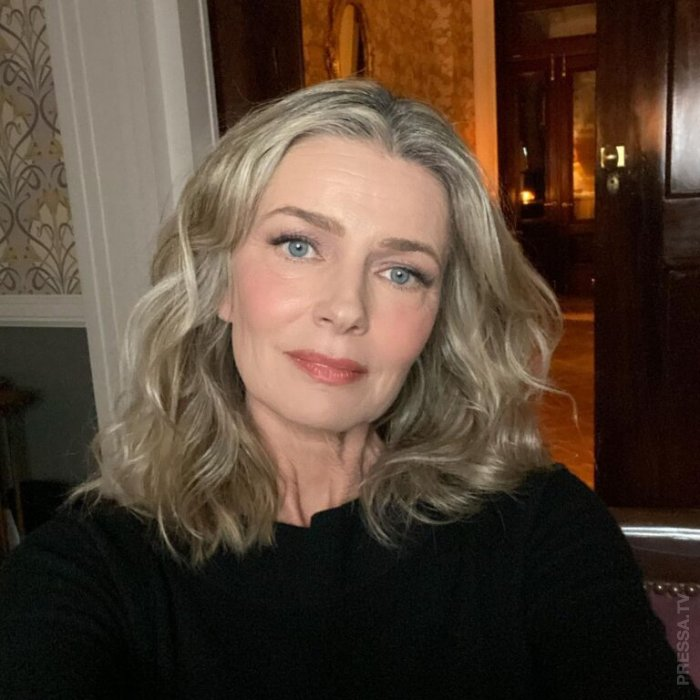 56-летняя американская супермодель Паулина Поризкова снялась для Vogue