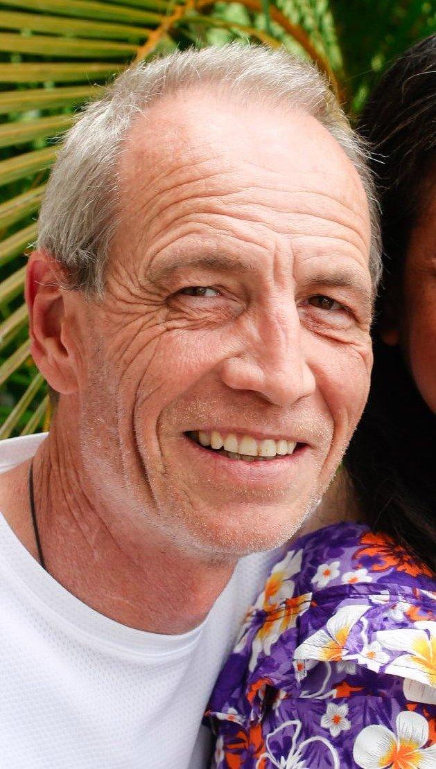 Австралийский инженер утверждает, что он сын принца Чарльза