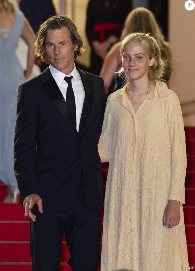 Дочь Джулии Робертс прошла по красной дорожке Каннского кинофестиваля