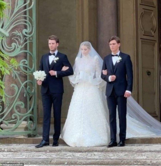 Ослепительная роскошь: Племянница принцессы Дианы вышла замуж