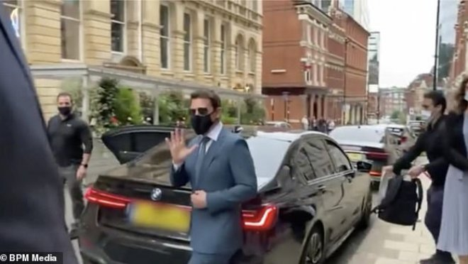 У Тома Круза угнали BMW и украли багаж